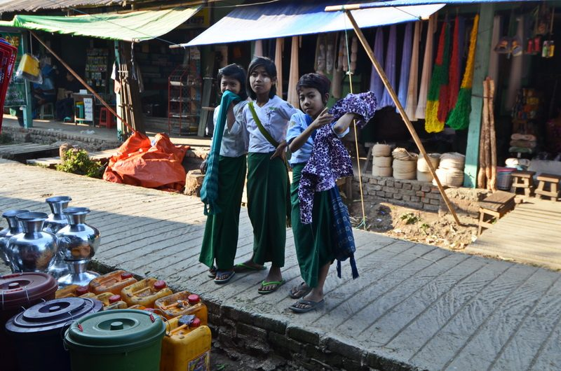 Young children of Sittwe